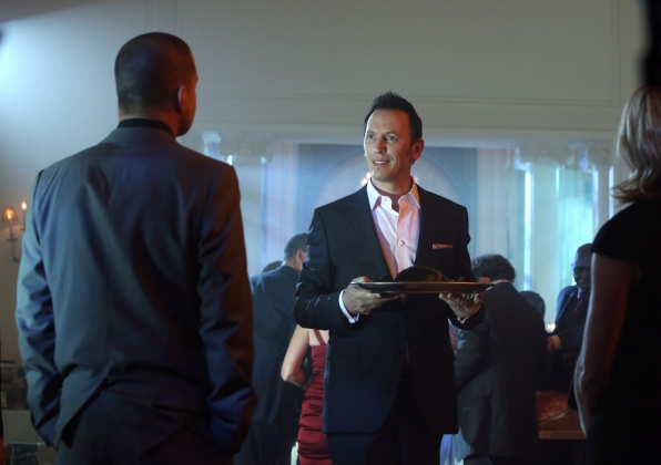 Nick Stokes (George Eads, left) and Julie Finlay (Elisabeth Shue, right) question Gary Korlov (Steve Valentine) at a party featuring human flesh to be eaten as the CSIs track a cannibalistic killer and discover he's not alone.