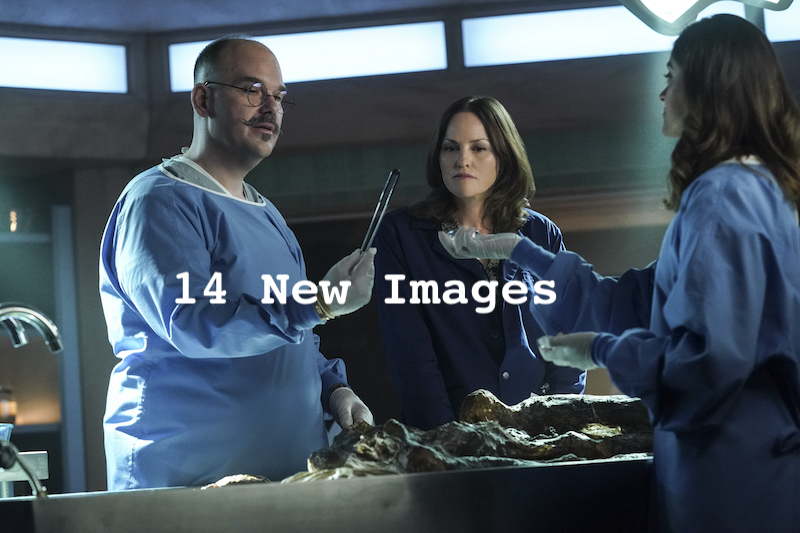 Pictured L-R: Mel Rodriguez as Hugo Ramirez and Jorja Fox as Sara Sidle. Photo: Sonja Flemming/CBS ©2021 CBS Broadcasting, Inc. All Rights Reserved.